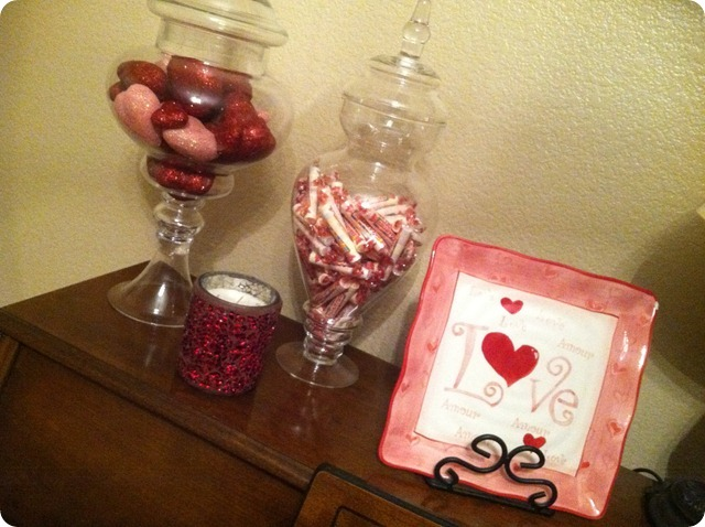 Vday Decor, She Made it Crafts (4)